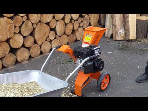Forest Master Petrol 6HP Compact Garden Wood Chipper & Shredder - FM6DD
