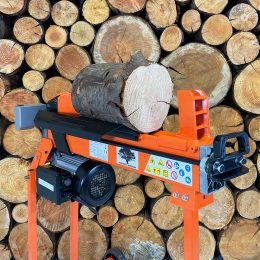 splitting wood with electric log splitter