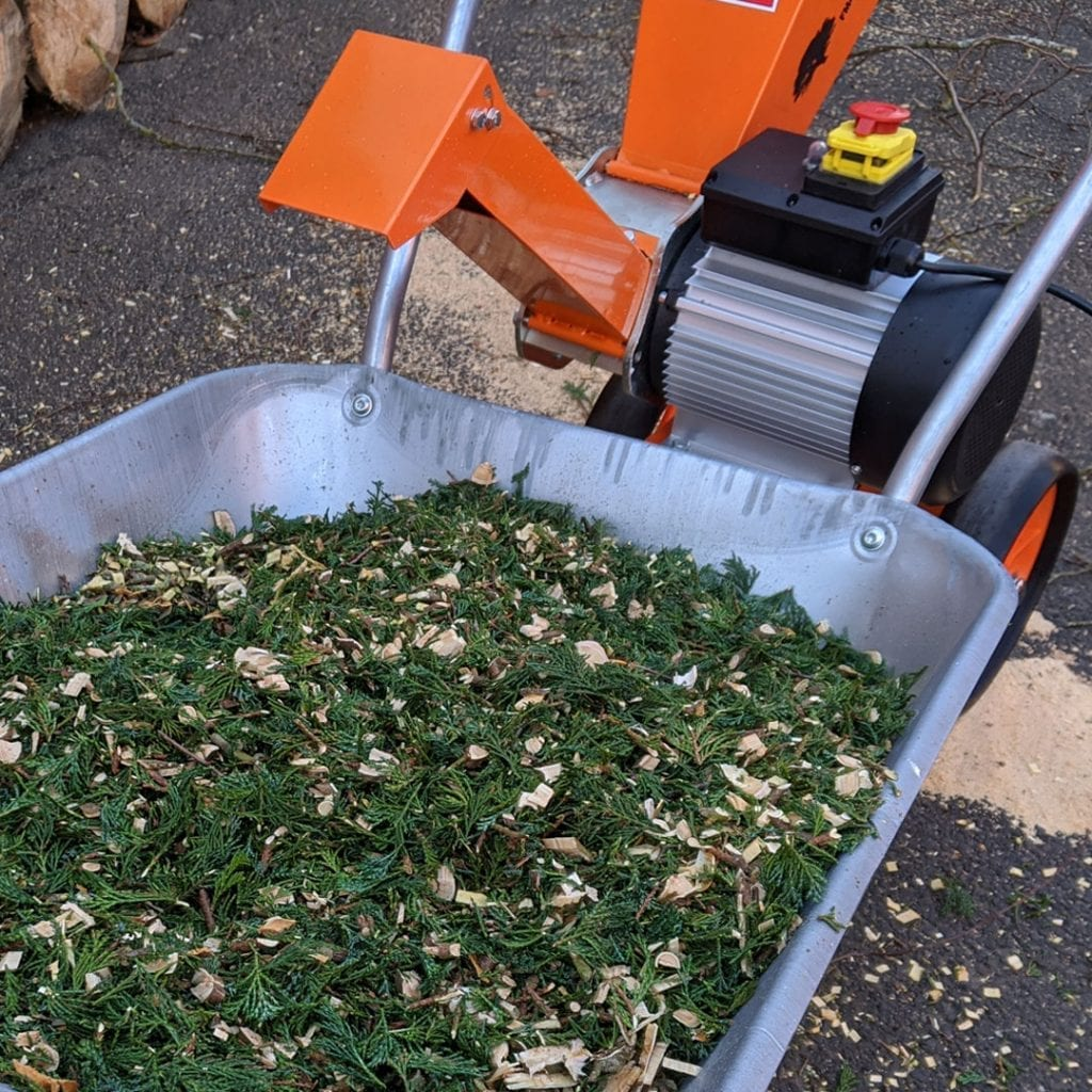 chippings, shredded leaves, electric