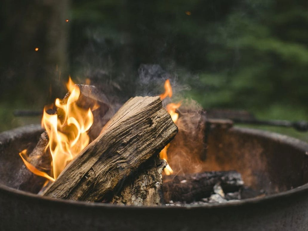 Wood burning, burning log, wood burning properties