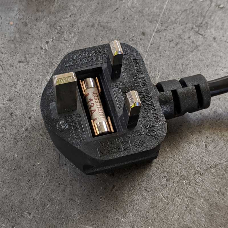 How to change a Plug Socket Fuse